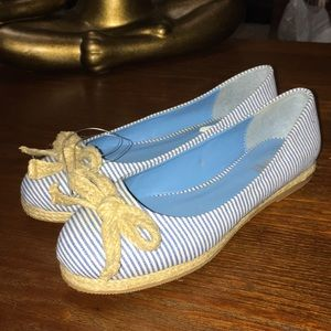 NWOT YMI Nautical Blue & White Ballet Flats size 6